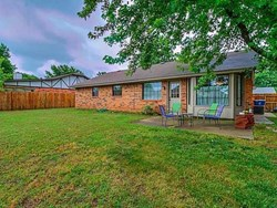 2101 Castle Rock, Edmond