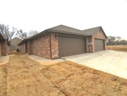 425 Chalk Hill Ct, Edmond