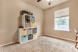 8001 Woodbend Ln, Oklahoma City