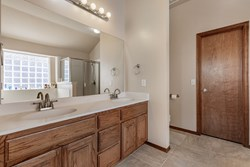 1305 Fairsted Ct, Norman